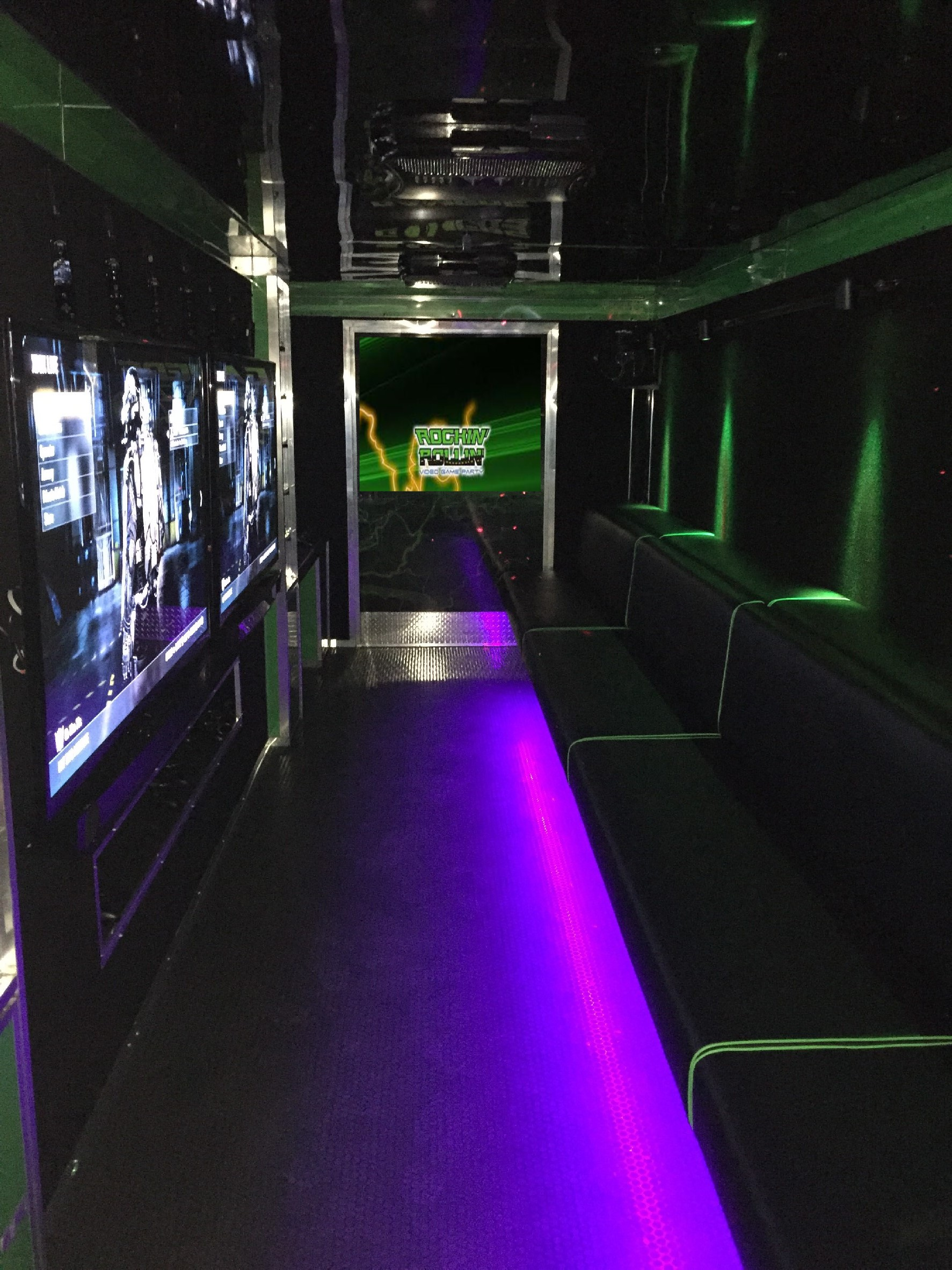 2015-pre-owned-7-tv-arctic-green-video-game-theater-interior-website