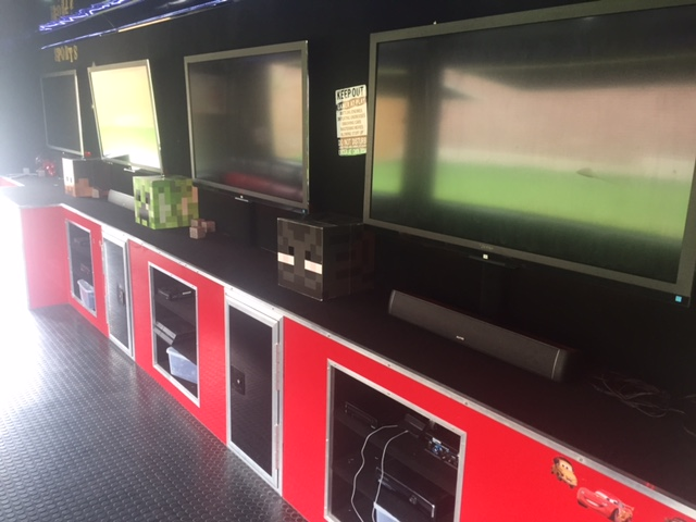 2011 - 7 TV - 10kw Generator - Mobile Game Theater - $58k - Interior