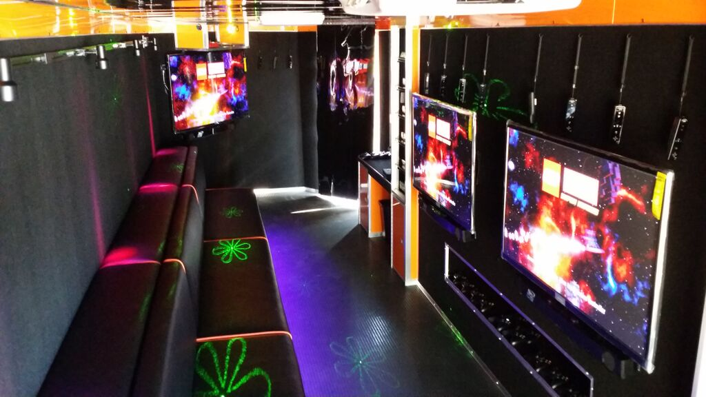 2015 7 TV Orange Interior with Awning (2)